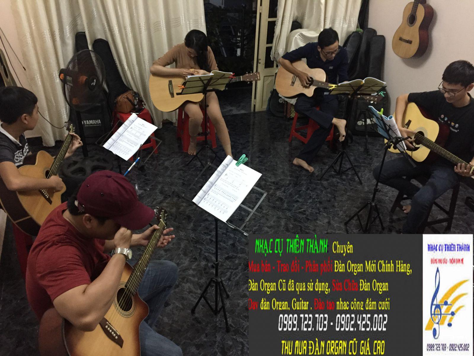 day-dan-guitar-cap-toc-quan-12-2.JPG