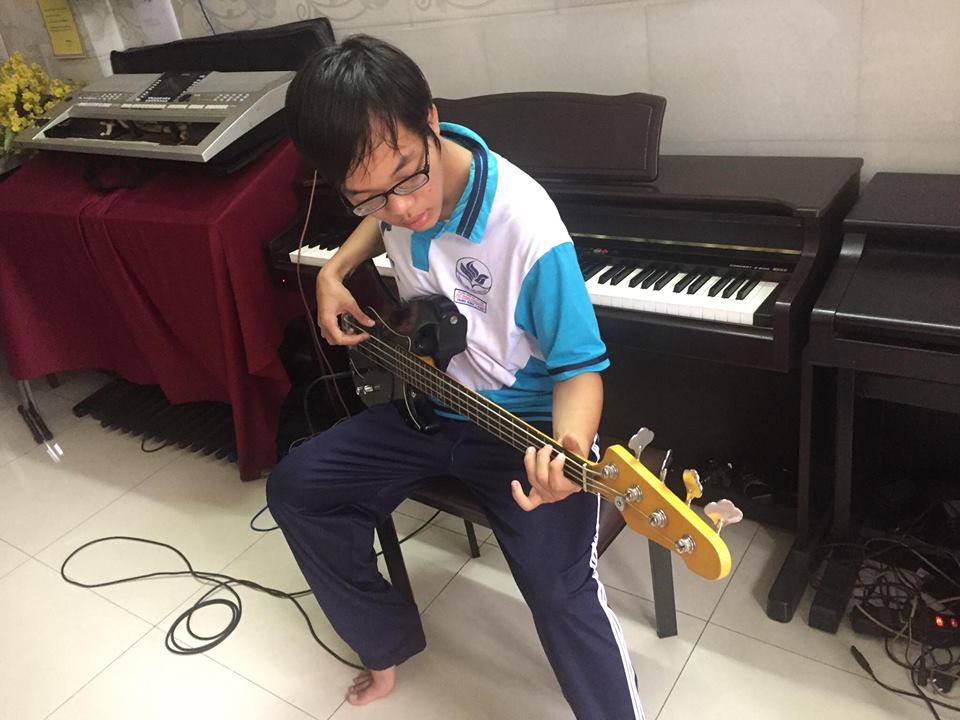 day-dan-guitar-bass-tpHcm-quan12
